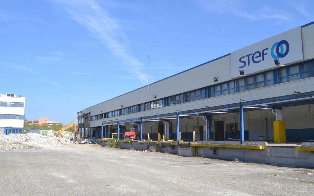 Lyon entrepôt STEF. Fin du chantier de désamiantage et de déconstruction