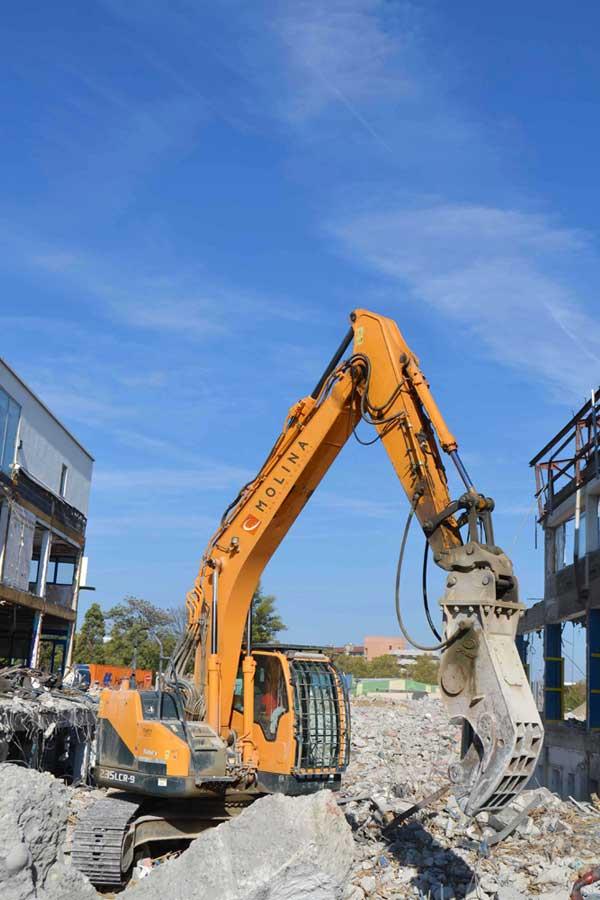 Déconstruction de l'ancien bâtiment industriel de la STEF