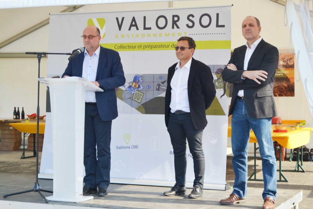 Jean Pierre Cheval, Dominique Dorel et François Picart lors de l'inauguration de la troisème déchetterie professionnelle à Sablons.